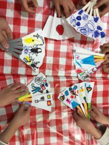 日本大好きプロジェクトによる伝統文化体験ワークショップ「扇子作り」の画像