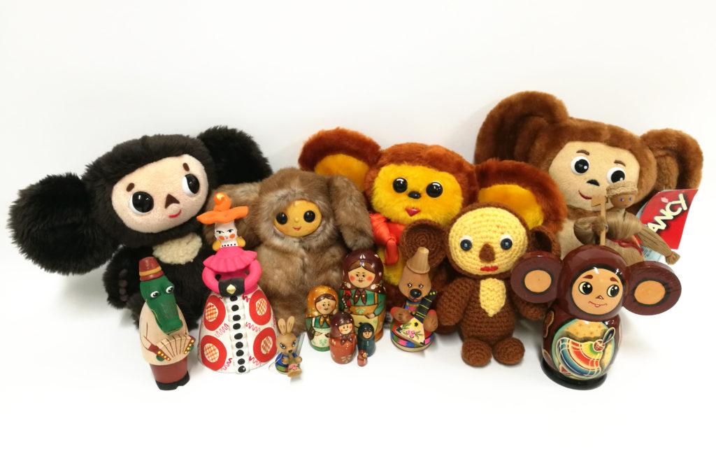チェブラーシカとロシアのかわいい人形たちの画像